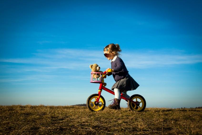 Bewegungen spielerisch mit dem Laufrad fördern: Spielwaren und Spielzeug