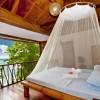 Ein Bett aus Bambus entführt in exotische Schlafwelten