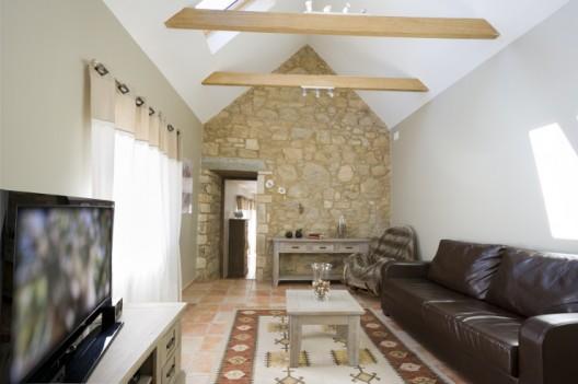 Ferienhaus ausstatten mit einem schönen Ledersofa