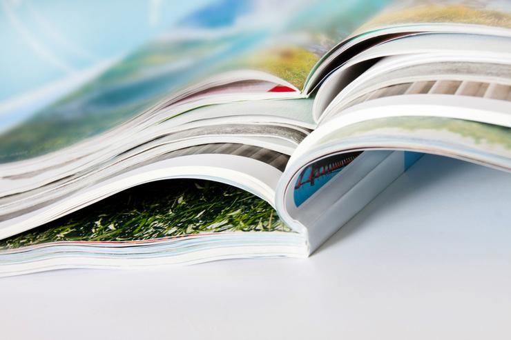 Folieren wird zum Beispiel bei Zeitschriften angewandt. (Bild: Pixelot - fotolia.com)