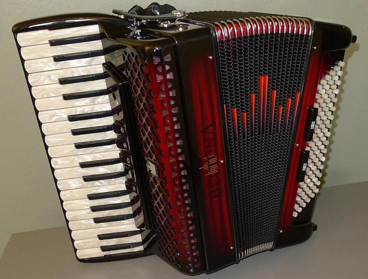 Auf einem BELTUNA Akkordeon lassen sich schönste Melodien zaubern. (Bild: beltuna.ch)